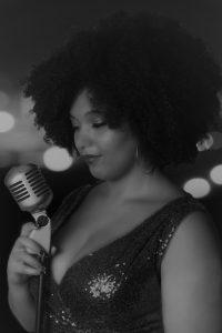 B&W singer mic